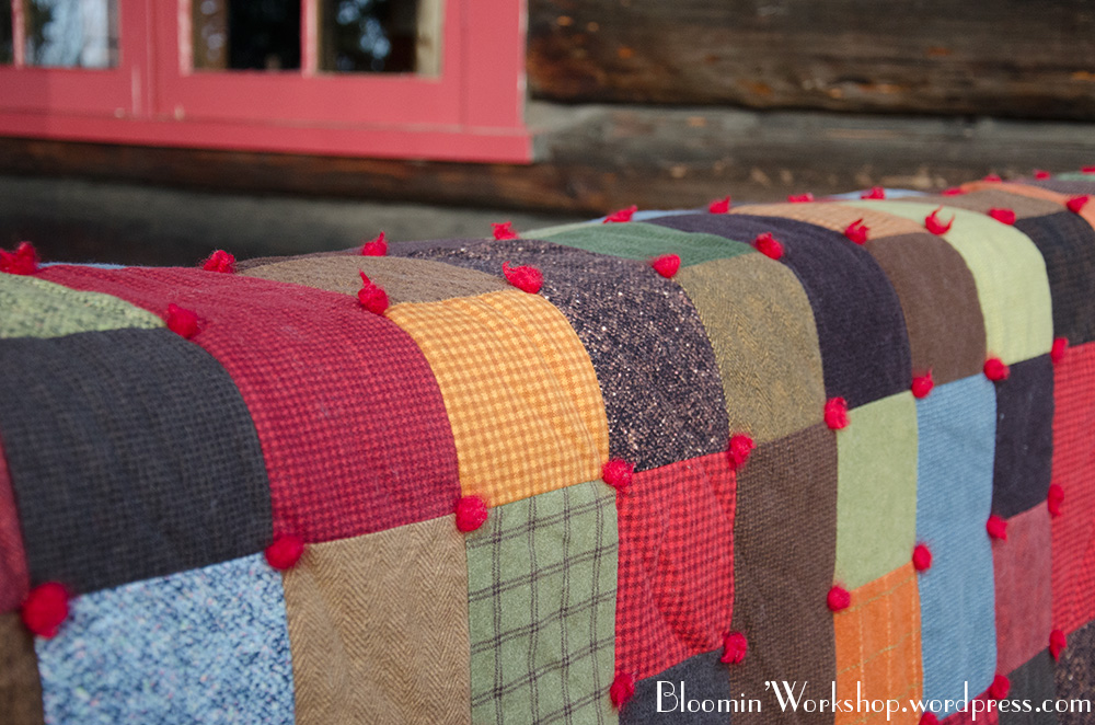 Cozy, wooly & perfect | Bloomin' Workshop : how to tie quilt - Adamdwight.com