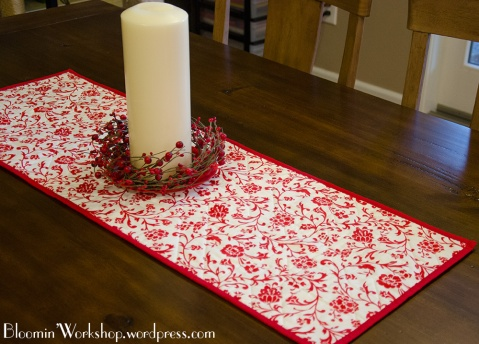 Merry-n-Bright-tablerunner-back