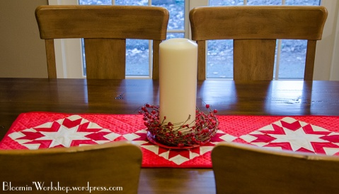Merry-n-Bright-tablerunner