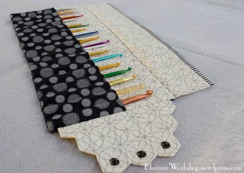 crochet-pouch-inside